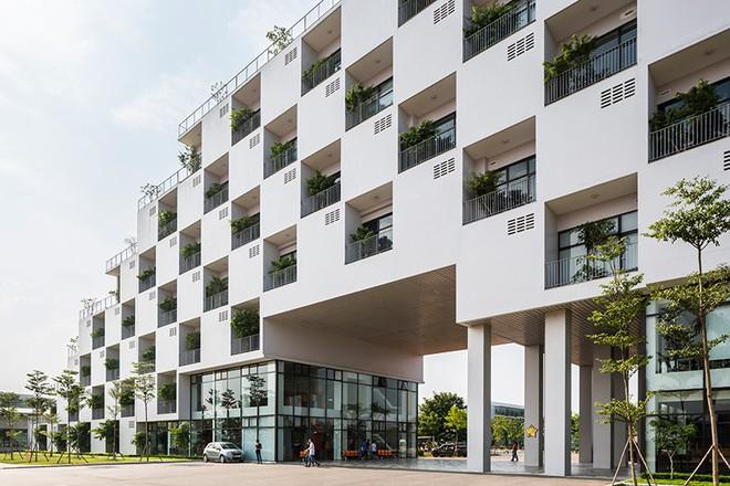 Đại học FPT do Võ Trọng Nghĩa Architects thiết kế lọt Top 10 công trình giáo dục tiêu biểu năm 2017 - Ảnh 3.