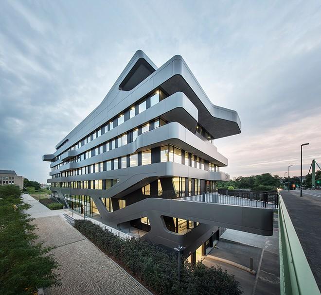 Đại học FPT do Võ Trọng Nghĩa Architects thiết kế lọt Top 10 công trình giáo dục tiêu biểu năm 2017 - Ảnh 20.