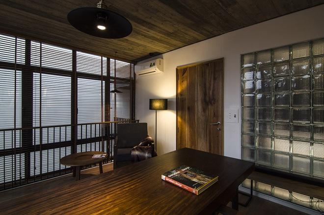 Phòng đọc, kiêm không gian làm việc trên tầng ba