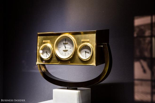 Chiếc đồng hồ để bàn này từng là một món quà thuộc sở hữu của cựu Tổng thống Mỹ John F. Kennedy.