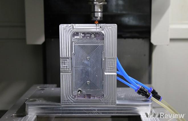 Đây là cách Bkav tạo ra khung nhôm cho Bphone 2017 - Ảnh 10.