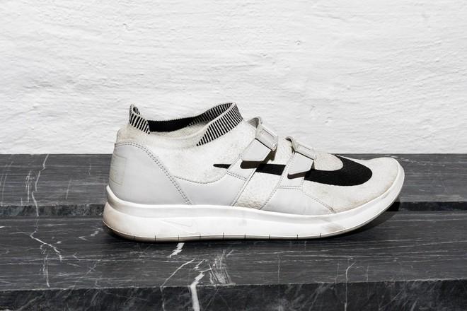 Trong khi giới trẻ phát cuồng với Balenciaga hay Vans thì stylist danh tiếng này lại đánh giá cao 3 đôi sneakers ít hot hơn hẳn - Ảnh 16.