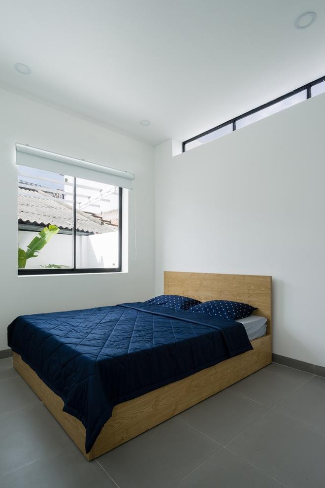Phòng ngủ đơn giản không cầu kì và tràn đầy ánh nắng
