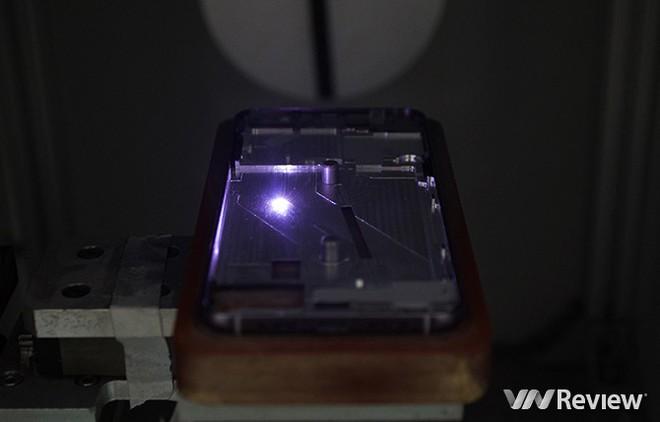 Đây là cách Bkav tạo ra khung nhôm cho Bphone 2017 - Ảnh 13.