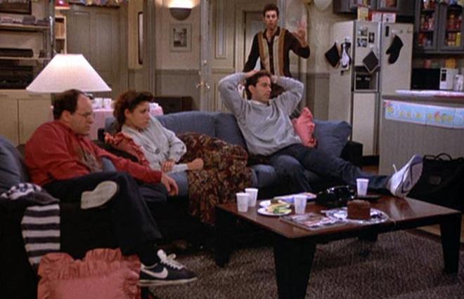 Nhân vật trong Seinfeld đều mang giày... Nike