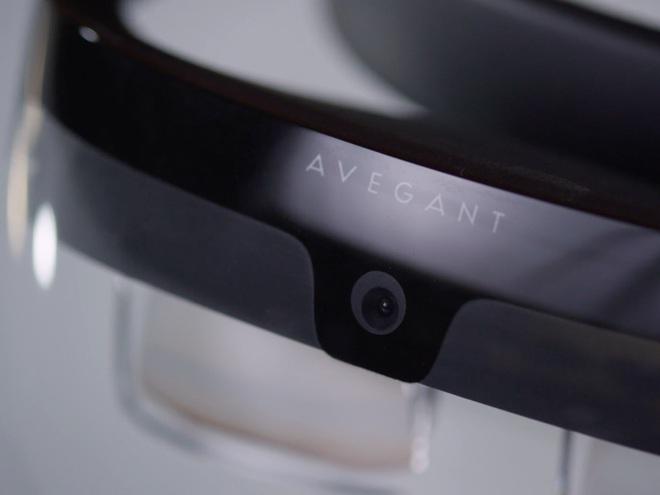 Một bản thử nghiệm thiết bị đội đầu của Avegant. Công ty không có ý định sản xuất sản phẩm này.