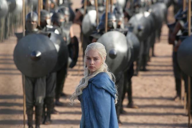 Emilia Clarke trong vai Daenerys Targaryen.