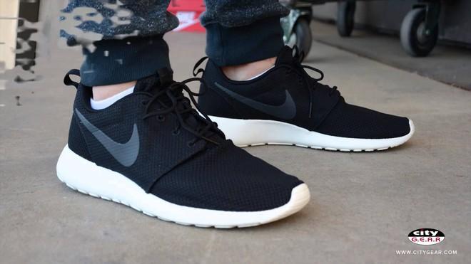 Hãy tặng 5 mẫu sneakers siêu thoáng này cho ông bạn có bàn chân rau mùi - Ảnh 6.