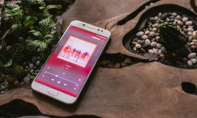 Lượng pin tiêu tốn cho các tác vụ đơn giản như lướt web, nghe nhạc là không đáng kể.