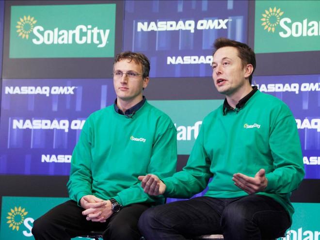 Tesla đã đạt được thỏa thuận thực tiễn với dự án lắp đặt mạng lưới điện Microgrid của mình.