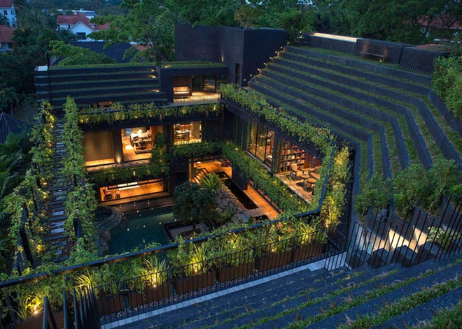 Một ngôi nhà khác cũng khá ấn tượng do nhà thiết kế Maria Warner Wong.