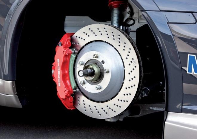 Có thể nói QA như cái phanh: Không giúp cho động cơ khỏe hơn, có làm cho chiếc xe chậm hơn và quan trọng nhất, dùng để tránh rủi ro.