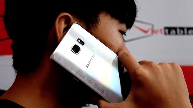 Galaxy Note7 Developer với dòng chữ Not for Sale lớn ở mặt lưng