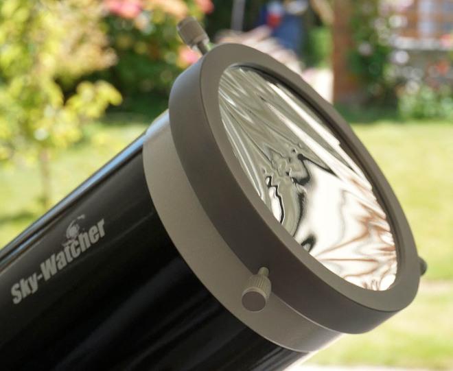 Tấm lọc Mặt Trời (solar filter).