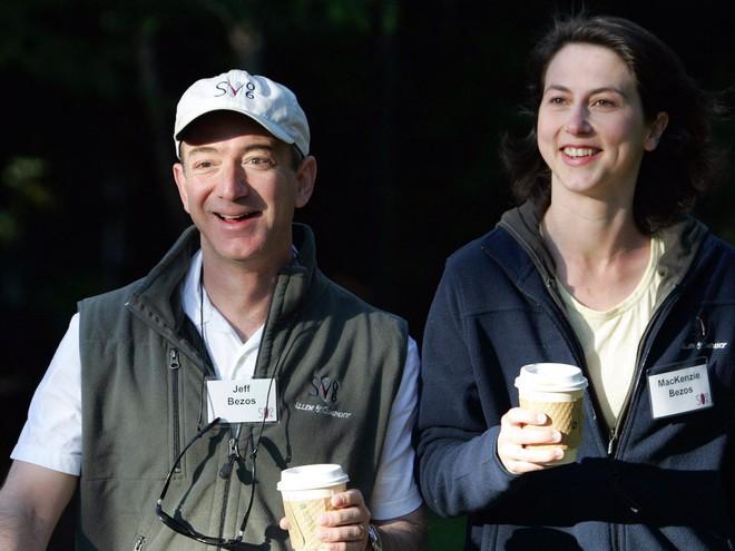 Những tỷ phú, doanh nhân thành công nhất thế giới như Bill Gates, Jeff Bezos giữ gìn hạnh phúc gia đình như thế nào? - Ảnh 4.