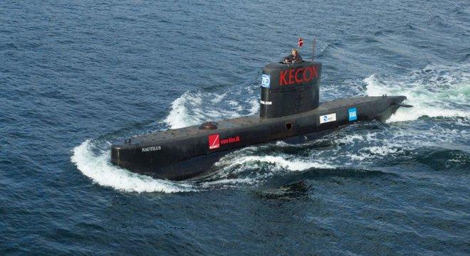 Con tàu ngầm tự chế lớn nhất thế giới UV3 Nautilus.