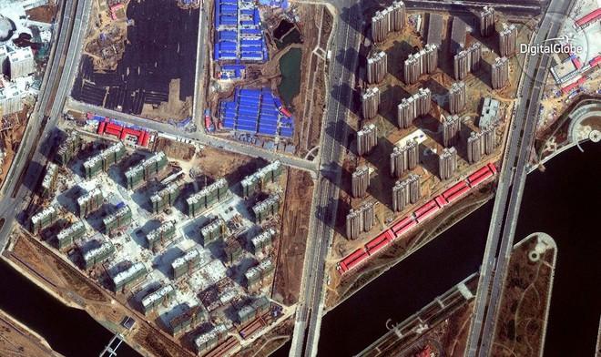 Từng được gọi là thành phố ma, Zhengdong hiện đang làm rất tốt. Tình hình đã cải thiện đáng kể với nhiều tòa nhà mọc lên.