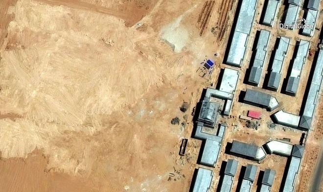 Erenhot là thành phố ma nổi tiếng tại khu tự trị Nội Mông. Hình ảnh chụp được năm 2013 chỉ thấy toàn bụi cát mà thôi.