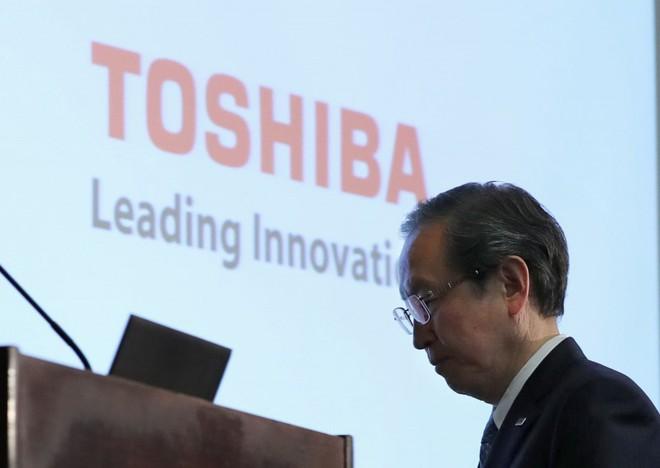 Toshiba phải bán đi mảng chip để cứu vãn công ty