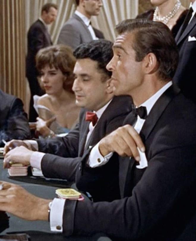 6 mẫu đồng hồ cực đỉnh từng được các đời siêu điệp viên James Bond trên tay - Ảnh 2.