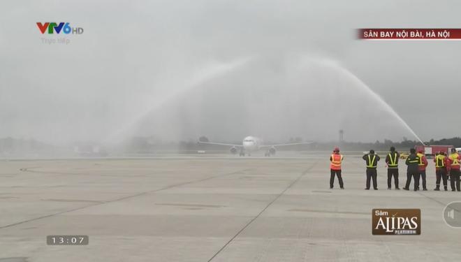 Tại sao máy bay chở U23 Việt Nam lại bị phun nước khi hạ cánh? Thì ra đây là lý do - Ảnh 1.