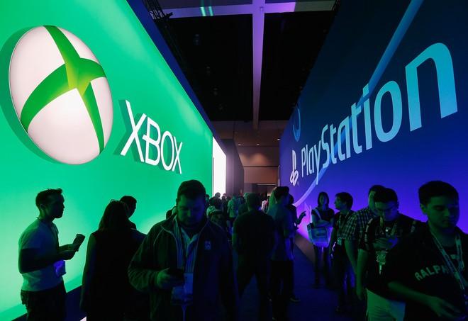 Xbox One của Microsoft bị đối thủ PlayStation 4 của Sony bỏ lại rất xa phía sau.