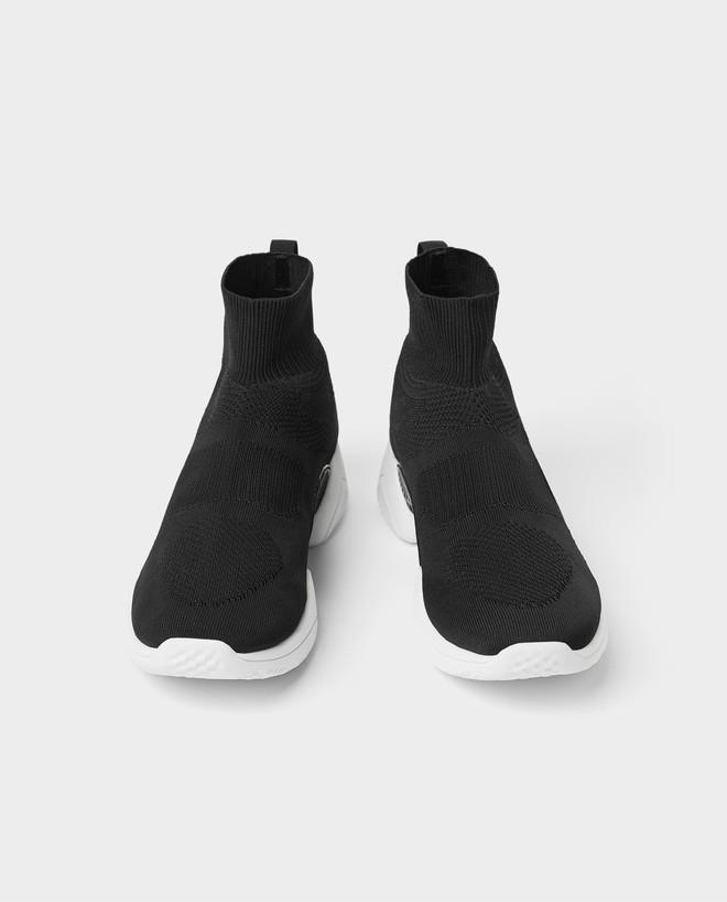 Mẫu sneakers mới nhất của Zara lại vướng nghi án đạo nhái Balenciaga và Rick Owens - Ảnh 9.