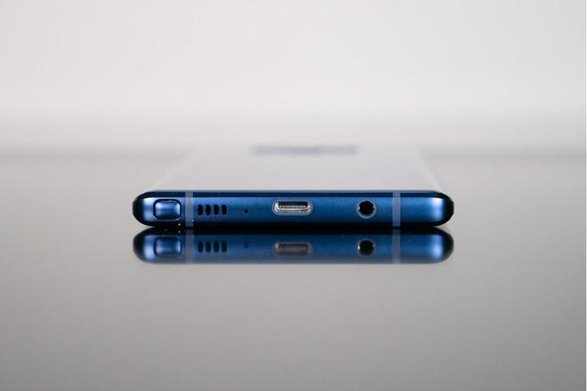 Nối gót Apple, Samsung sẽ loại bỏ jack cắm tai nghe trên Galaxy Note10 sắp tới? - Ảnh 1.