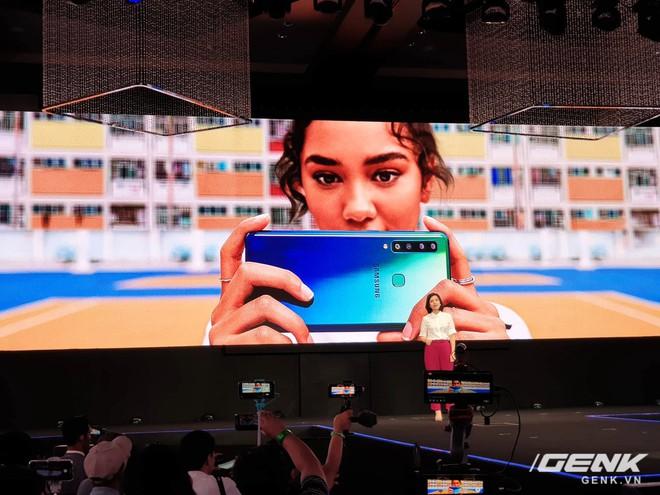 Samsung Galaxy A9 (2018) ra mắt: smartphone đầu tiên trên thế giới có 4 camera sau - Ảnh 6.