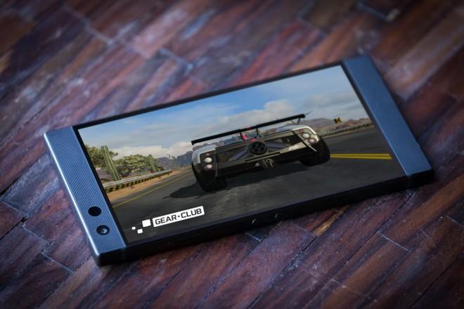 Razer Phone 2 chính thức ra mắt, sạc không dây, IP67, màn hình sáng hơn, camera kép chụp đẹp hơn, logo nhấp nháy - Ảnh 3.
