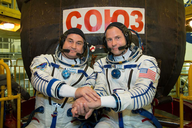 Tàu vũ trụ Soyuz gặp nạn, hai phi hành gia phải thực hiện hạ cánh đạn đạo để thoát cái chết cận kề - Ảnh 1.