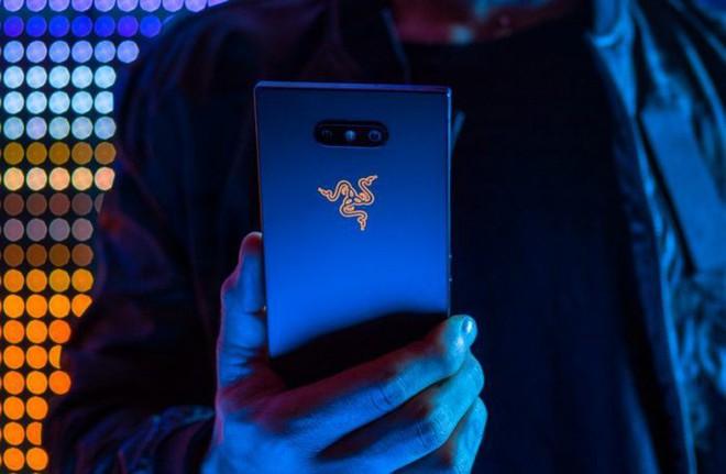 """Đây là 5 tính năng hấp dẫn trên Razer Phone 2 chắc chắn sẽ khiến bạn phải động lòng """"xúc"""" ngay em nó về nhà - Ảnh 1."""