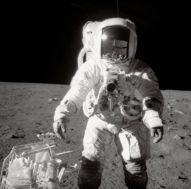Có bỏ tiền tỷ cũng không mua được những chiếc máy ảnh đã được các phi hành gia đem lên Mặt trăng! - Ảnh 6.