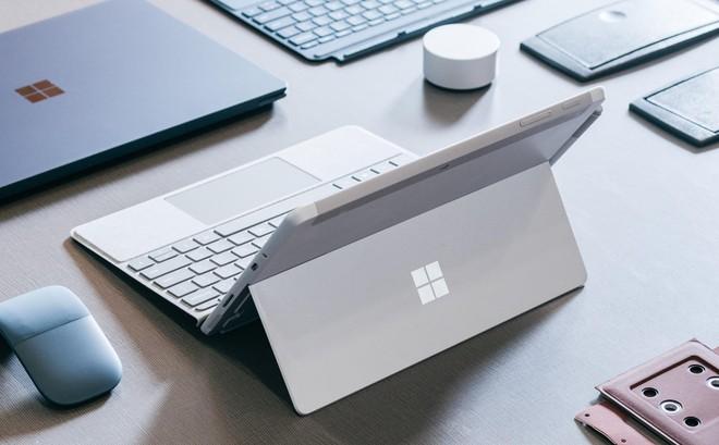 Microsoft có thể chấm dứt dòng sản phẩm Surface trong năm 2019? - Ảnh 1.