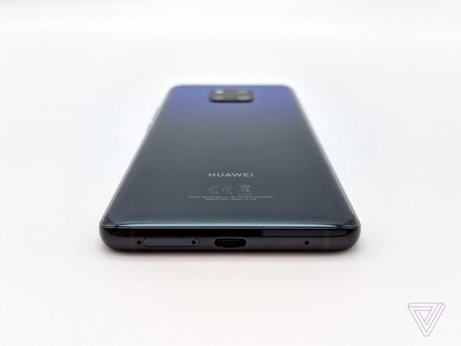 Ảnh thực tế Huawei Mate 20 Pro: 3 camera được Leica bảo chứng, cảm biến vân tay dưới màn hình, Face ID xịn, sạc cực nhanh, pin 4.200 mAh - Ảnh 6.