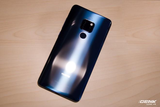 Vừa ra mắt, Huawei Mate 20 và Mate 20 Pro đã có mặt tại Việt Nam - Ảnh 1.