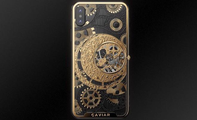 Đây là mẫu iPhone XS cực độc từ nước Nga, mang trên lưng cả một chiếc đồng hồ cơ lộ máy, giá từ 6000 USD - Ảnh 2.