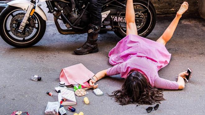 Trung Quốc: Đừng bất chấp chạy theo trào lưu ngã sấp mặt Falling Stars Challenge để rồi dính án phạt như cô gái này - Ảnh 8.