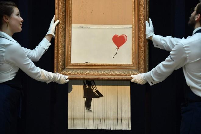 Tác giả của bức tranh 1,1 triệu USD tự hủy tại phiên đấu giá: Đáng lẽ phải cắt hết rồi - Ảnh 1.