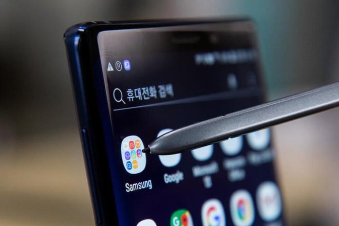 Đây là lý do khiến Samsung buộc phải loại bỏ jack cắm tai nghe trên smartphone năm sau? - Ảnh 1.