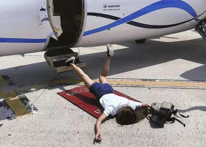 Trung Quốc: Đừng bất chấp chạy theo trào lưu ngã sấp mặt Falling Stars Challenge để rồi dính án phạt như cô gái này - Ảnh 3.