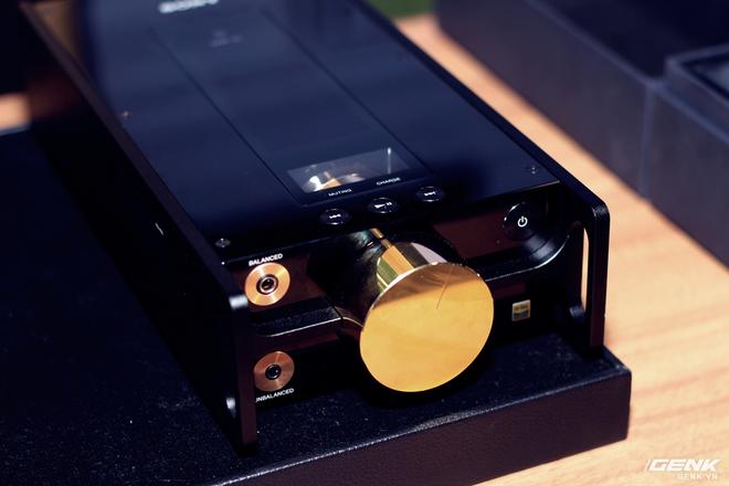 Đây là máy nghe nhạc tích hợp AI Sony DMP-Z1 đầu tiên về Việt Nam: núm mạ vàng, nặng như cục gạch, giá nhẹ nhàng bằng 7 chiếc iPhone XS Max! - Ảnh 4.