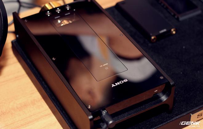 Đây là máy nghe nhạc tích hợp AI Sony DMP-Z1 đầu tiên về Việt Nam: núm mạ vàng, nặng như cục gạch, giá nhẹ nhàng bằng 7 chiếc iPhone XS Max! - Ảnh 2.