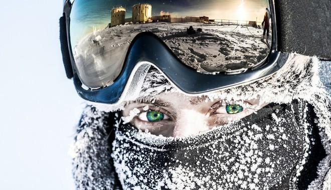 Cuộc sống đảo lộn ở Nam Cực: vi khuẩn cũng chết cóng, cư dân không được đi tiểu trong lúc tắm - Ảnh 2.