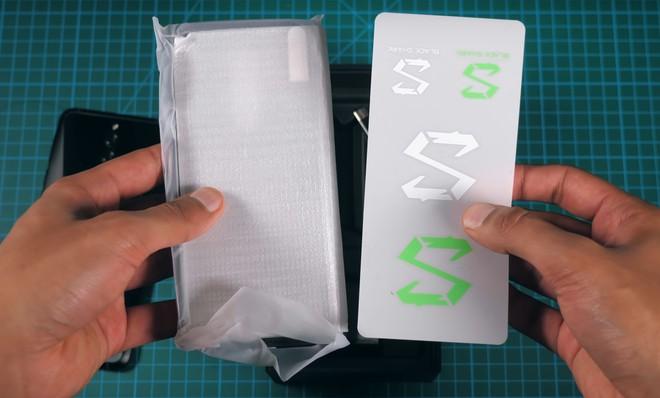Mở hộp, trên tay smartphone gaming 10GB RAM đầu tiên của Xiaomi Black Shark 2 HELO - Ảnh 4.