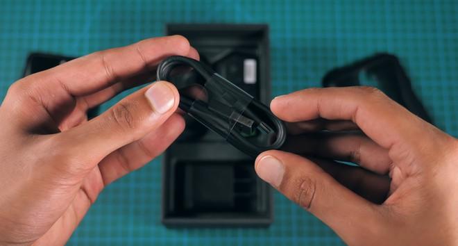 Mở hộp, trên tay smartphone gaming 10GB RAM đầu tiên của Xiaomi Black Shark 2 HELO - Ảnh 7.