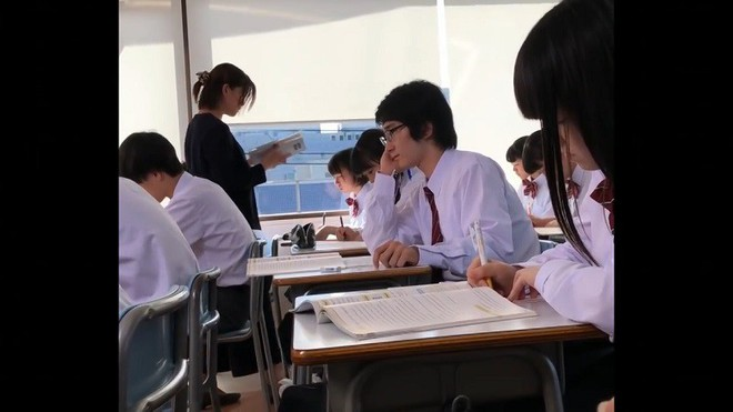 Xem học sinh Nhật trổ tài ăn vụng trong lớp nhờ toàn thiết bị công nghệ cao - Ảnh 3.