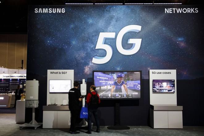 Báo cáo mới tiết lộ nhiều chi tiết về Galaxy S10 cùng smartphone màn hình gập của Samsung - Ảnh 2.