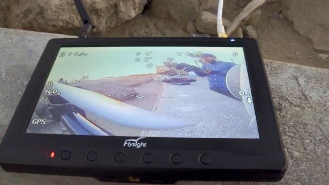 Góc sáng tạo: Kết hợp máy ảnh mì ăn liền Fujifilm Instax cùng Drone, ảnh ra chất không tưởng - Ảnh 4.
