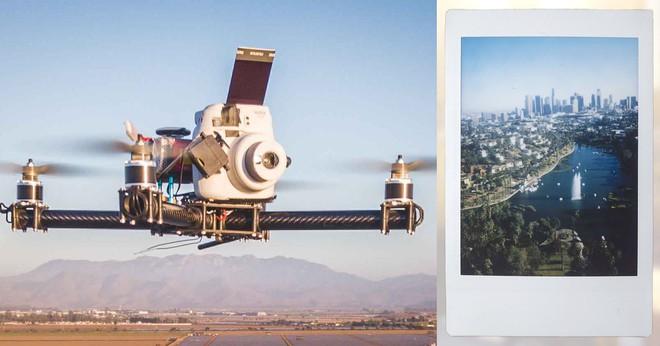 Góc sáng tạo: Kết hợp máy ảnh mì ăn liền Fujifilm Instax cùng Drone, ảnh ra chất không tưởng - Ảnh 1.